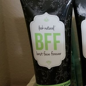 Best Face Forever exfoliating face wash